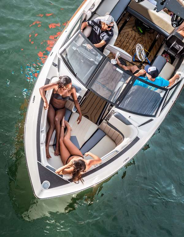 2016-25lsv_lifestyle-bow